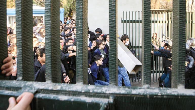 İran yanıyor, olaylar yayılıyor, Ankara yakın takipte...
