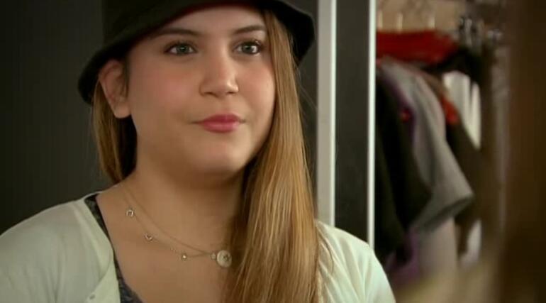 Ünlü oyuncu Feyza Civelek gözaltına alındı