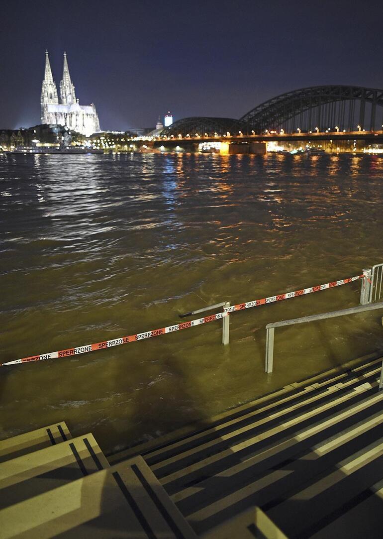 Ren'in su seviyesi, 9 metreye yaklaştı