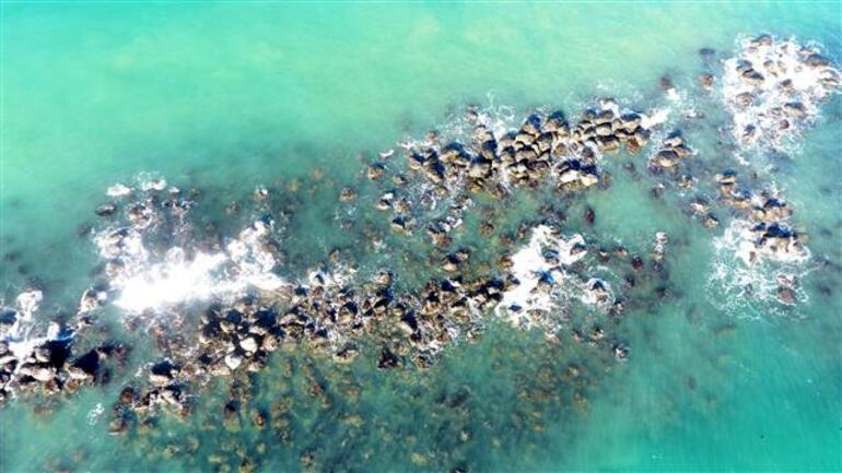 Rizede yat limanında tartışma yaratan görüntü... Taşlar eridi, suya gömüldü