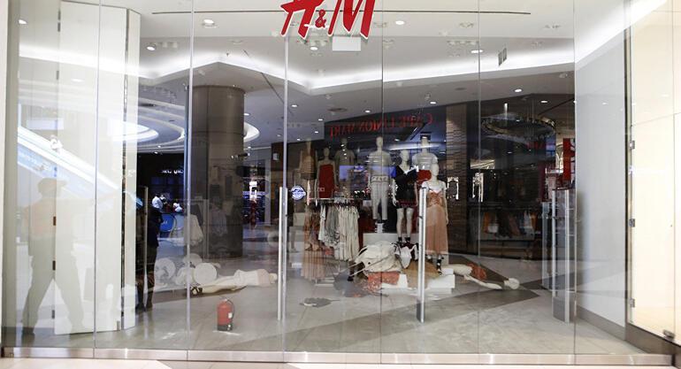 Güney Afrikada H&M mağazasına saldırdılar