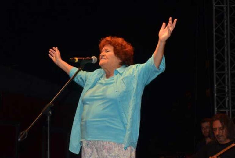 Dünyaca tanınan Selda Bağcan'ı daha yakından tanımanızı sağlayacak 10 bilgi