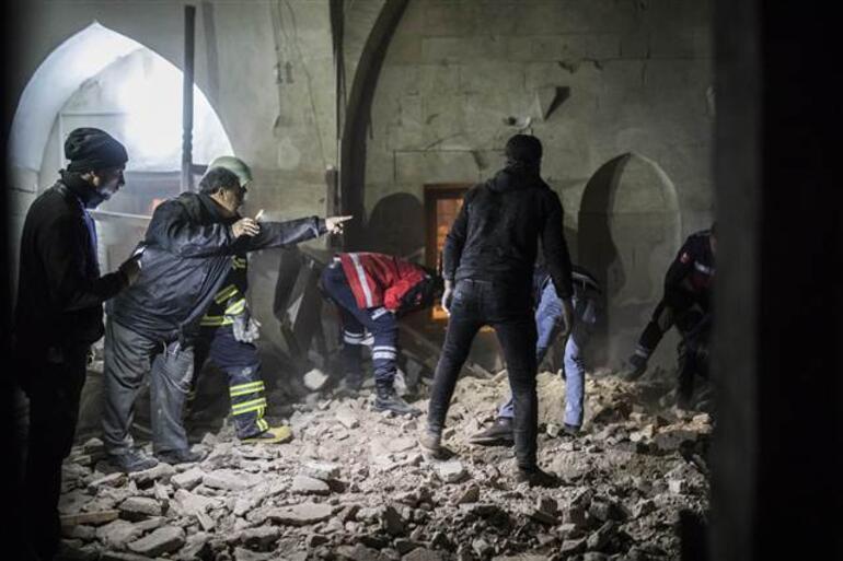 Teröristlerin attığı roket Kiliste camiye isabet etti, ölü ve yaralılar var