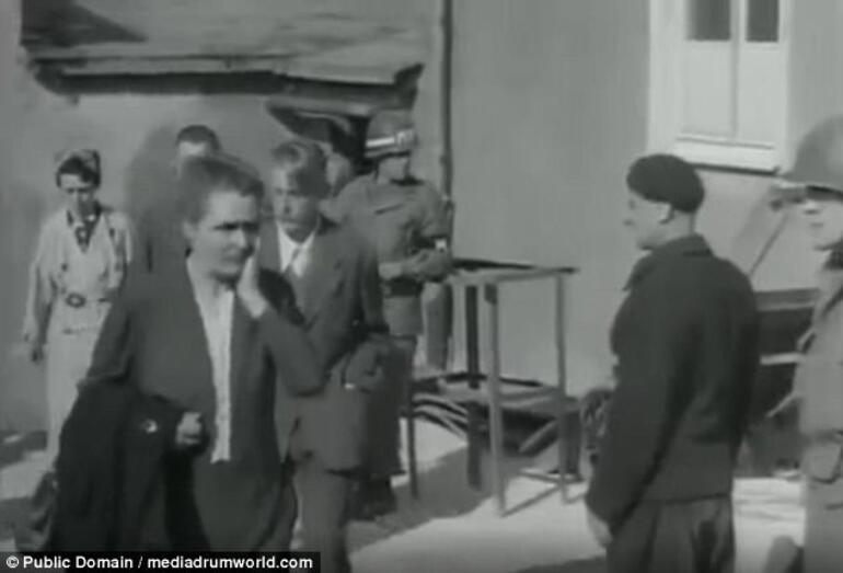 Almanlar Ikinci Dünya Savaşı Sonunda Nazi Kamplarını Böyle Gezmiş