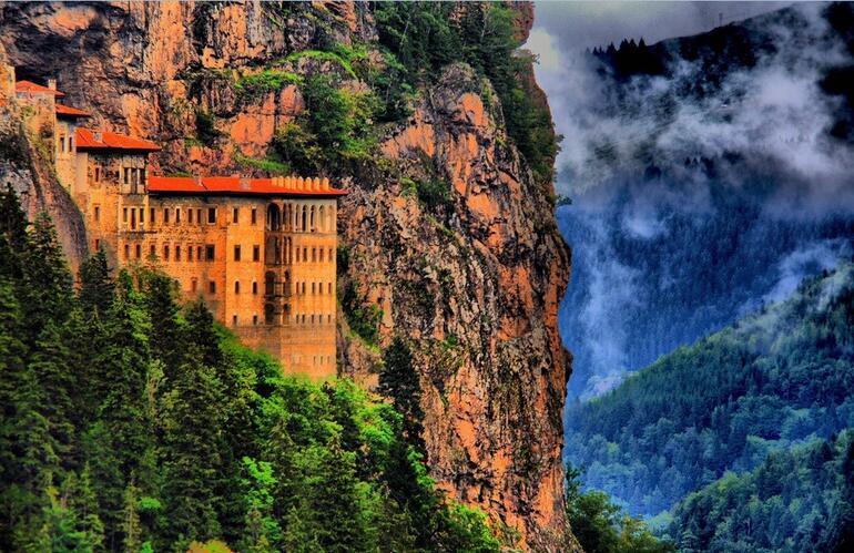 Sümela Manastırı yeniden ziyarete açılacak