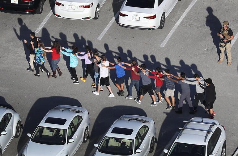 Son dakika... ABDde okula silahlı saldırı: Çok sayıda ölü ve yaralı var