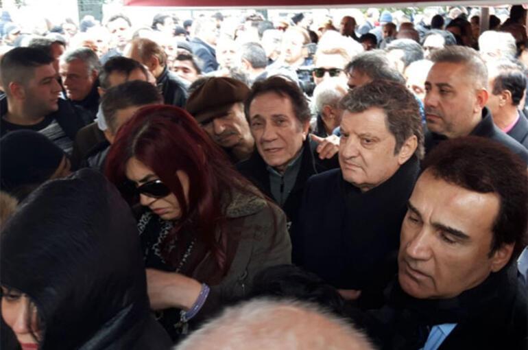 Gözyaşları sel oldu...Nuray Hafiftaş son yolculuğuna uğurlanıyor