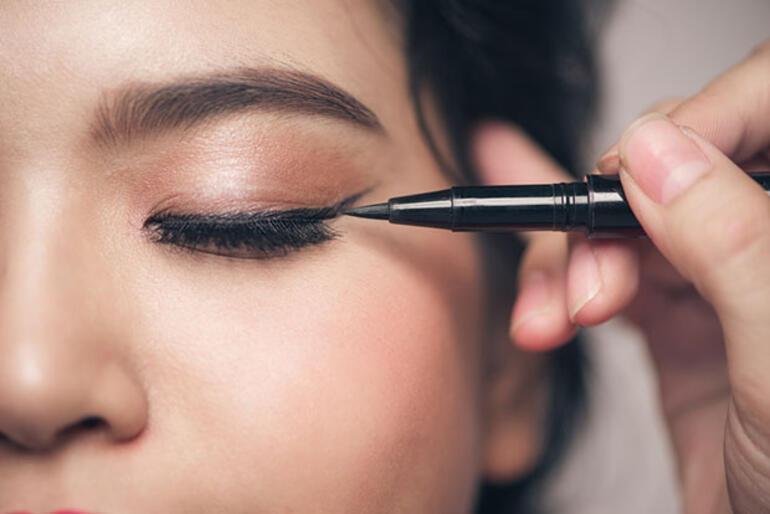 Kaşlarınızı mükemmel göstermenin 3 yolu