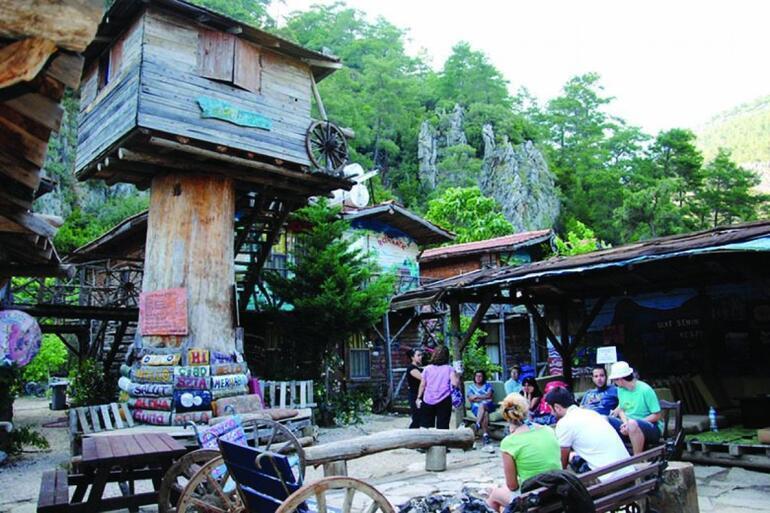 Kadir'in Ağaç Evleri, 'kalınacak en iyi hostel' seçildi