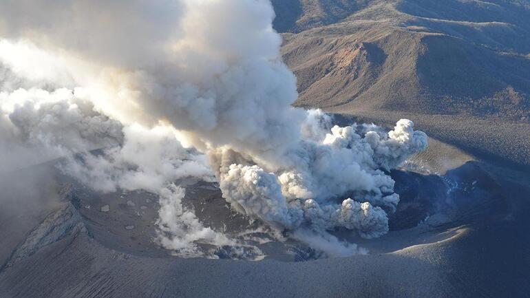 Japonyanın James Bond volkanı için uyarı