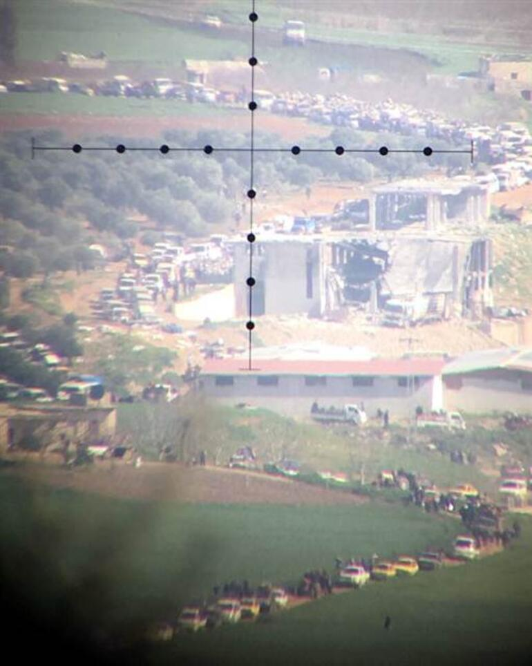 Afrin'deki siviller ayrılıyor Uzun kuyruklar oluştu