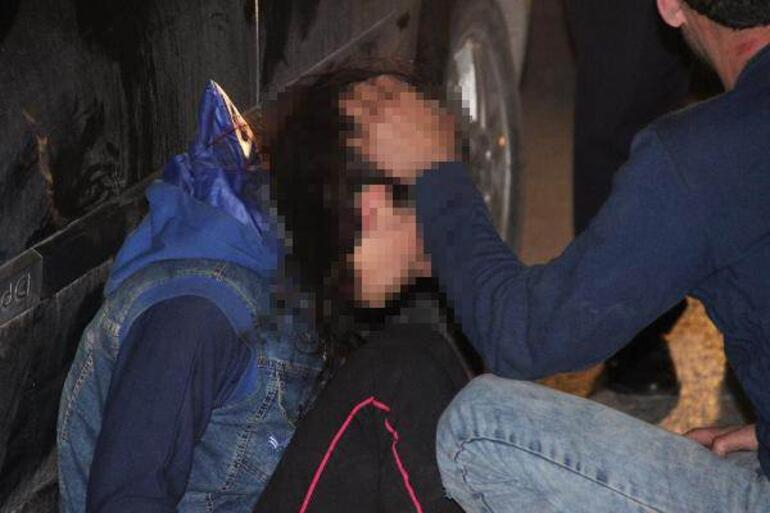 Karı kocaya sokak ortasında borç dayağı