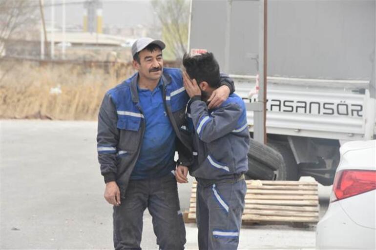 Sivas'ta fırtına duvar yıktı; araçlar hasar gördü. Otomobilini böyle görünce şoke oldu