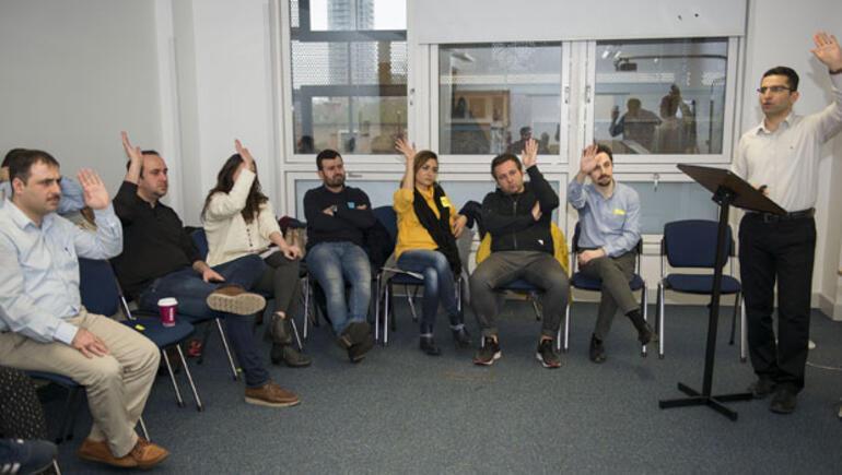 Süresiz oturma izninin iptali Türkleri 'ortak akıl'da buluşturdu