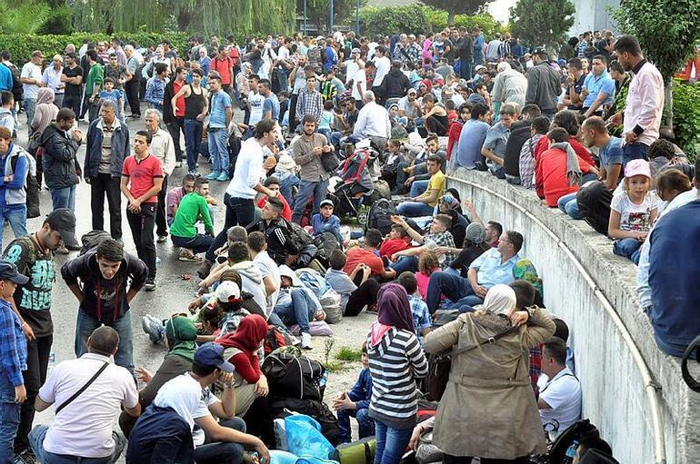Uzun tatil yapan Suriyelilerin işsizlik parası kesildi