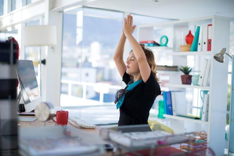 Çalışmasanız da yapabileceğiniz 6 rahatlatıcı hareket
