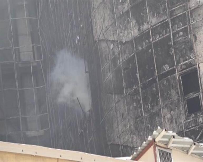 Taksim İlk Yardım Hastanesinden yine duman yükseldi