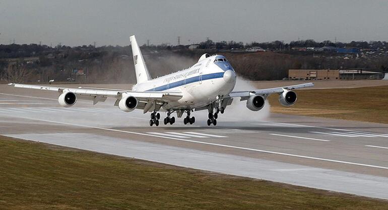 ABD kıyamet günü uçağını havalandırdı