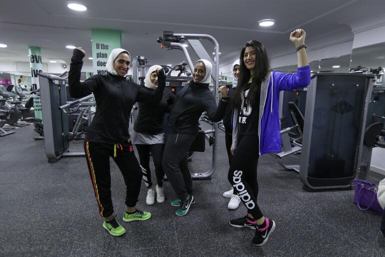 Suudi kadınları tutabilene aşkolsun