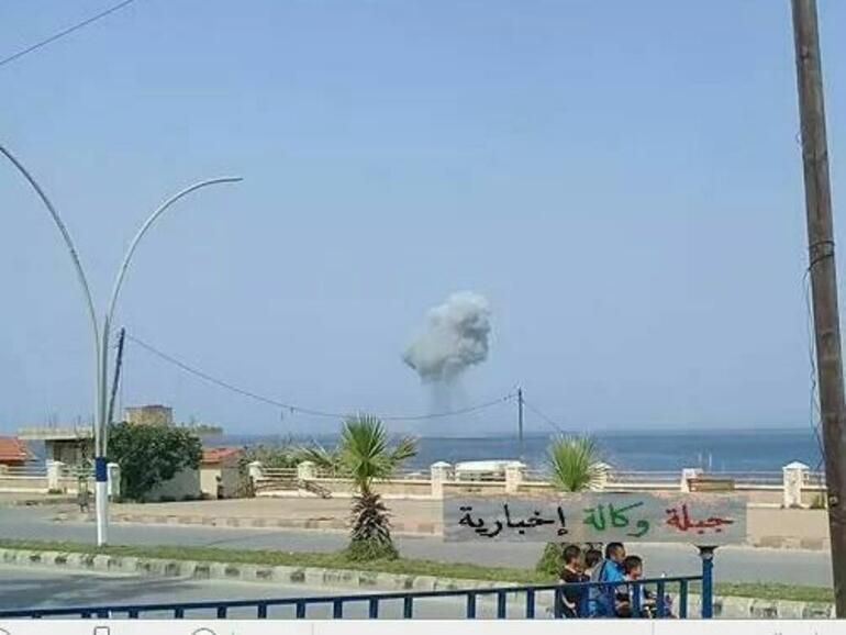 Son dakika Suriyede Rus savaş uçağı düştü