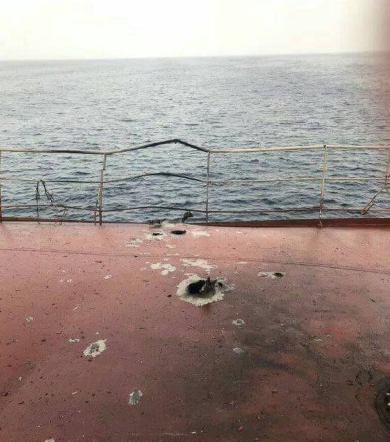 Yemende Türk gemisi İnce İneboluya füze saldırısı iddiası Patlama meydana geldi