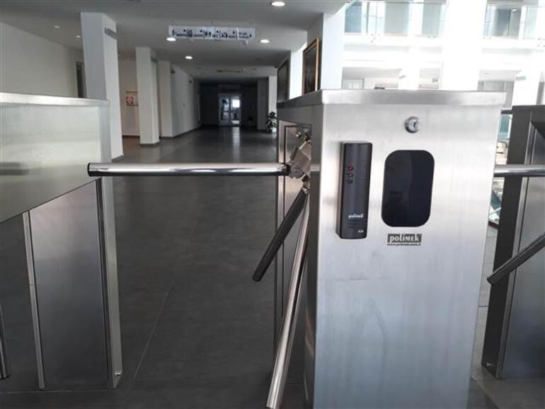 İzmirde okullara güvenlik turnikesi ve parmak izi sistemi kurulacak