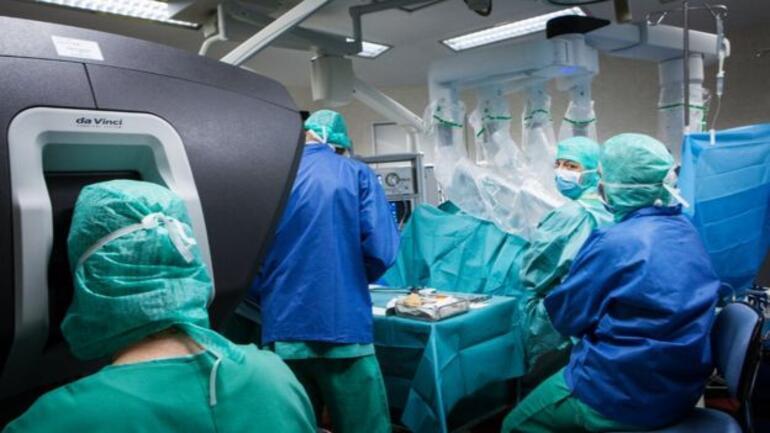 Sağlık sektörü için robot hemşire ve doktor reformu önerisi