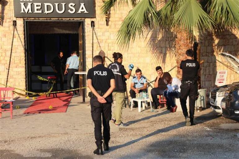 Bodrumda barda silahlı saldırı: Ölenler arasında şarkıcı Hacer Tülü de var