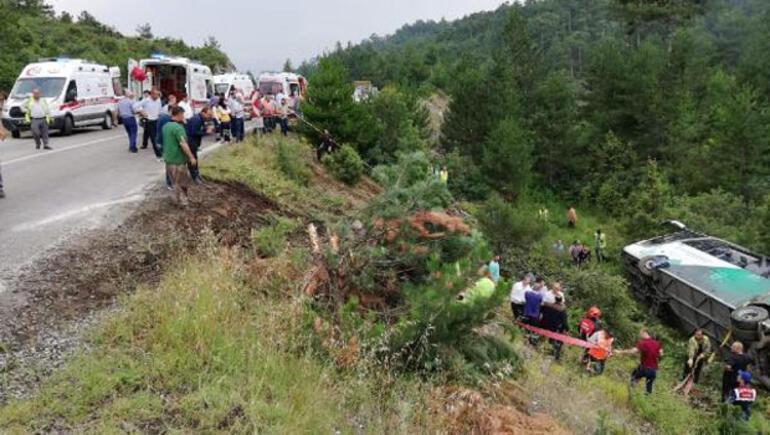 Bursada otobüs devrildi: Ölü ve yaralılar var