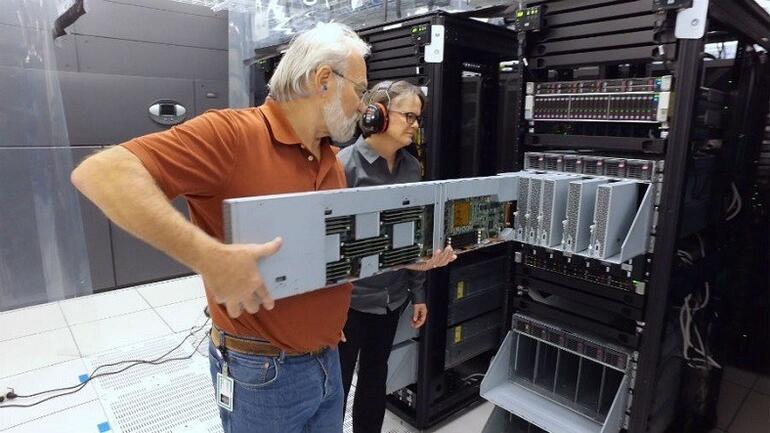 HP'den 2600 çift çekirdeğe sahip süper bilgisayar