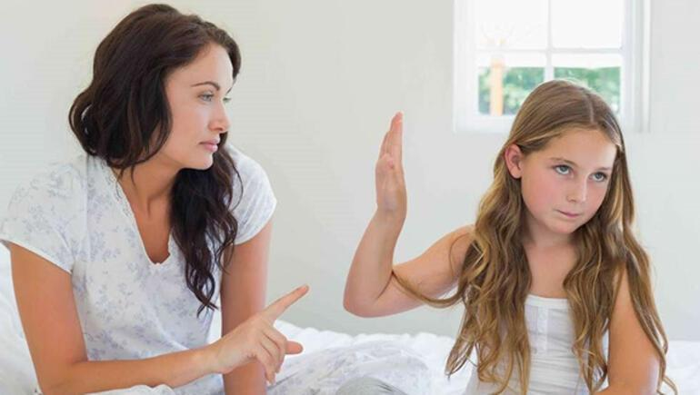 Ergenlik dönemindeki çocuğunuzla iletişim kurarken dikkat