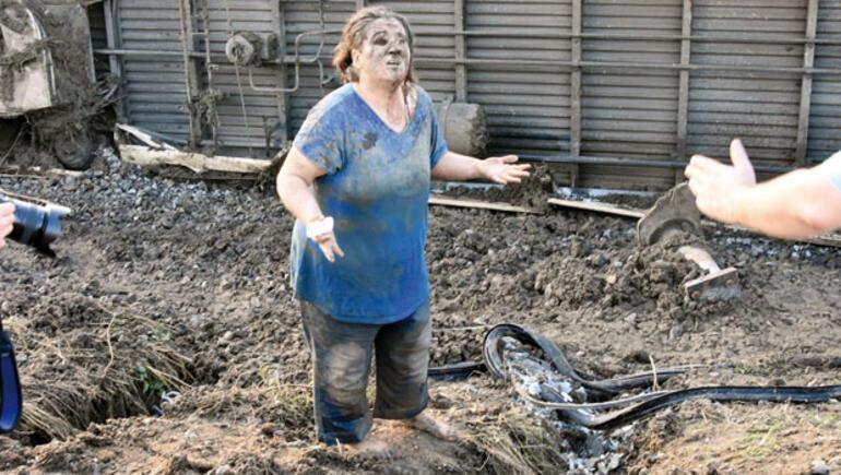 Çorluda tren kazası Başbakan yardımcısı acı haberi verdi: 24 kişi hayatını kaybetti