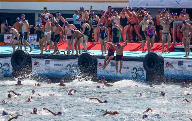 Boğaziçi Kıtalararası Yüzme Yarışmasında kahreden haber