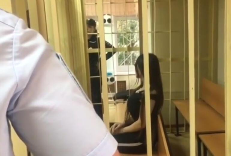 Rus polisine ahlaksız teklif