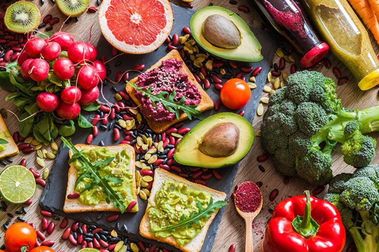 Bilim insanları uyardı: Dünyanın geleceği için et yemeyi bırakmalıyız