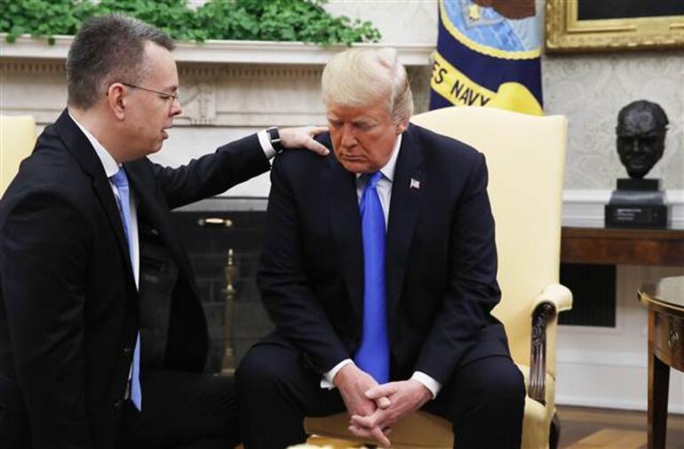 Brunson Beyaz Sarayda... Trumptan Eskiye döneceğiz mesajı