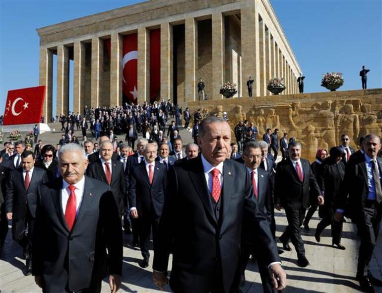 Son dakika... Cumhurbaşkanı Erdoğandan Anıtkabirde 29 Ekim Cumhuriyet Bayramı mesajı
