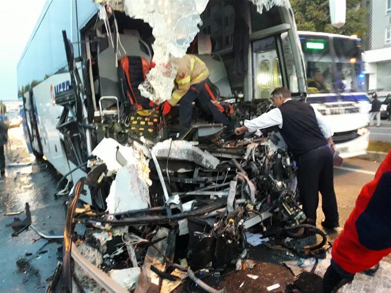 Son dakika... Yolcu otobüsü tıra çarptı: Çok sayıda yaralı var