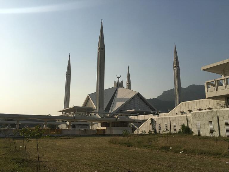 Uzaklardaki yalnız kardeş: Pakistan