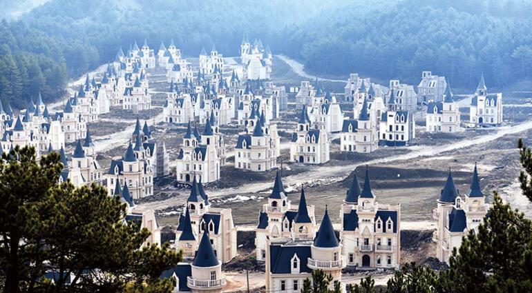 Mudurnu evlerinin ahı tuttu... Yüzyılların mimarisi dururken  bunları yapıp iflas ettiler