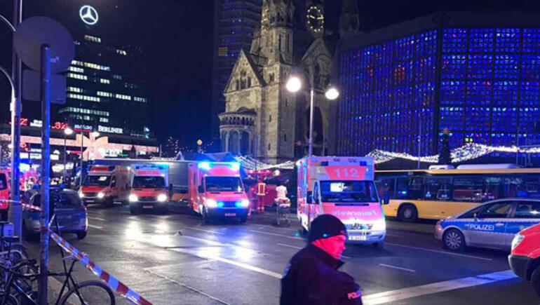 Cami, sinagog, kilise... Hepsine saldırdılar