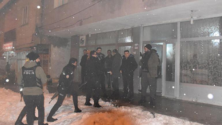 Kadınlar ihbar etti, polis baskın yaptı