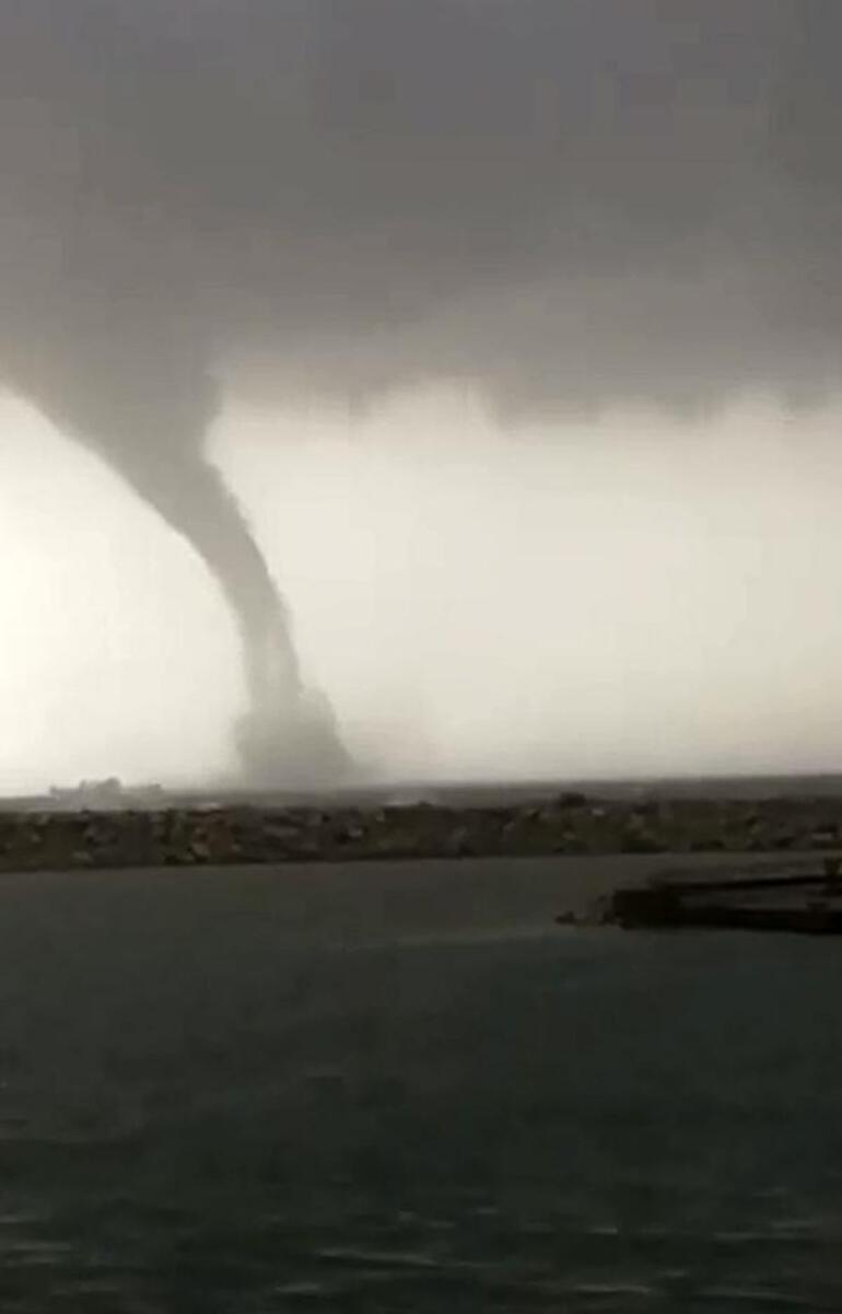 Son dakika: Antalya Havalimanında fırtına nedeniyle otobüs devrildi