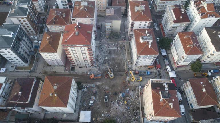 Kartalda riskli binanın yıkımına başlandı