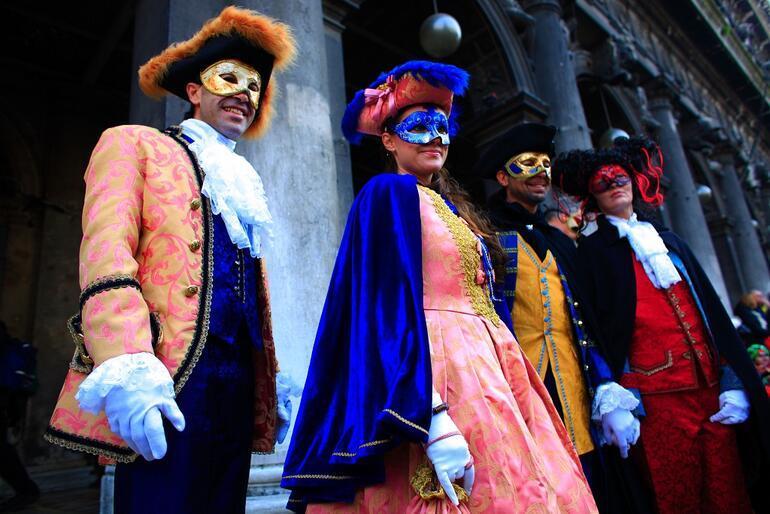 Tüm dünyanın beklediği en renkli karnaval