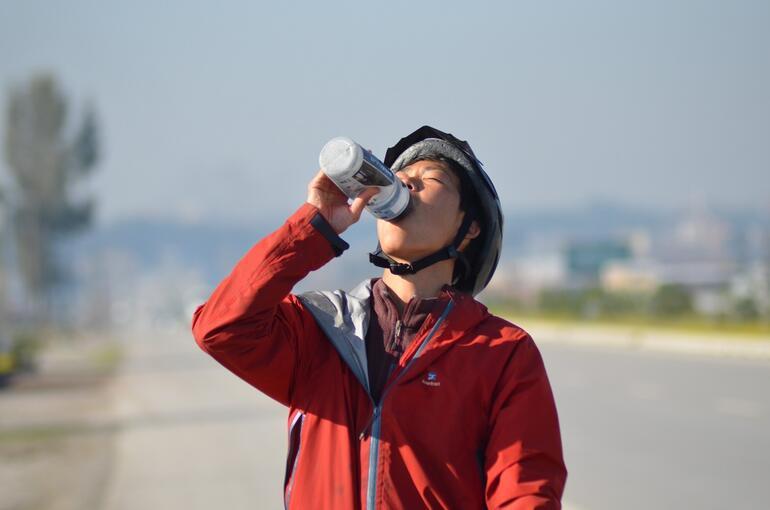 Bisikletli Japon turist Osmaniyede mola verdi