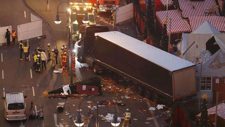 Berlin'de 12 kişi öldüren Anis Amri'yi olay yerinden Fas istihbaratçı kaçırmış