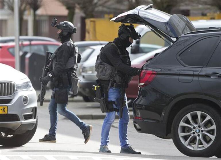 Son dakika... Hollandada 3 kişiyi öldüren Türk kökenli saldırgan yakalandı