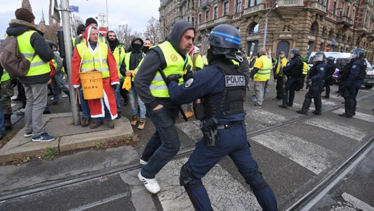 Fransız ordusu Sarı Yeleklilere karşı: 70 yıl sonra bir ilk