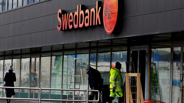 İsveçin en büyük bankalarından Swedbanka polis baskını